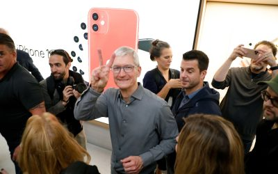 Apple is heading towards a $2 trillion valuation, says Evercore ISI. Here's how it gets there