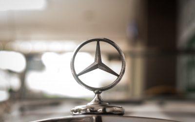 Mercedes Maker Daimler Tests Blockchain for Supply-Chain Data Sharing
