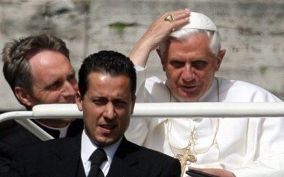 Paolo Gabriele, Ex-Papal Butler in 'Vatileaks' Scandal, Dies at 54